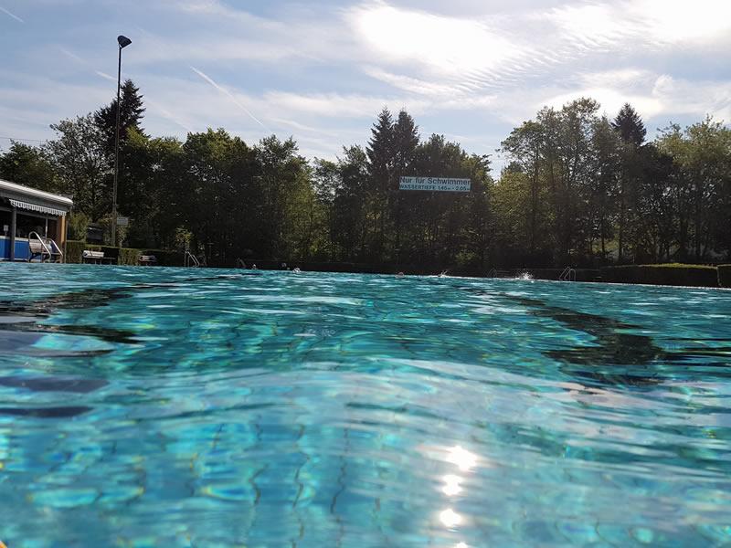 Schwimmerbecken im Freibad Egelsbach